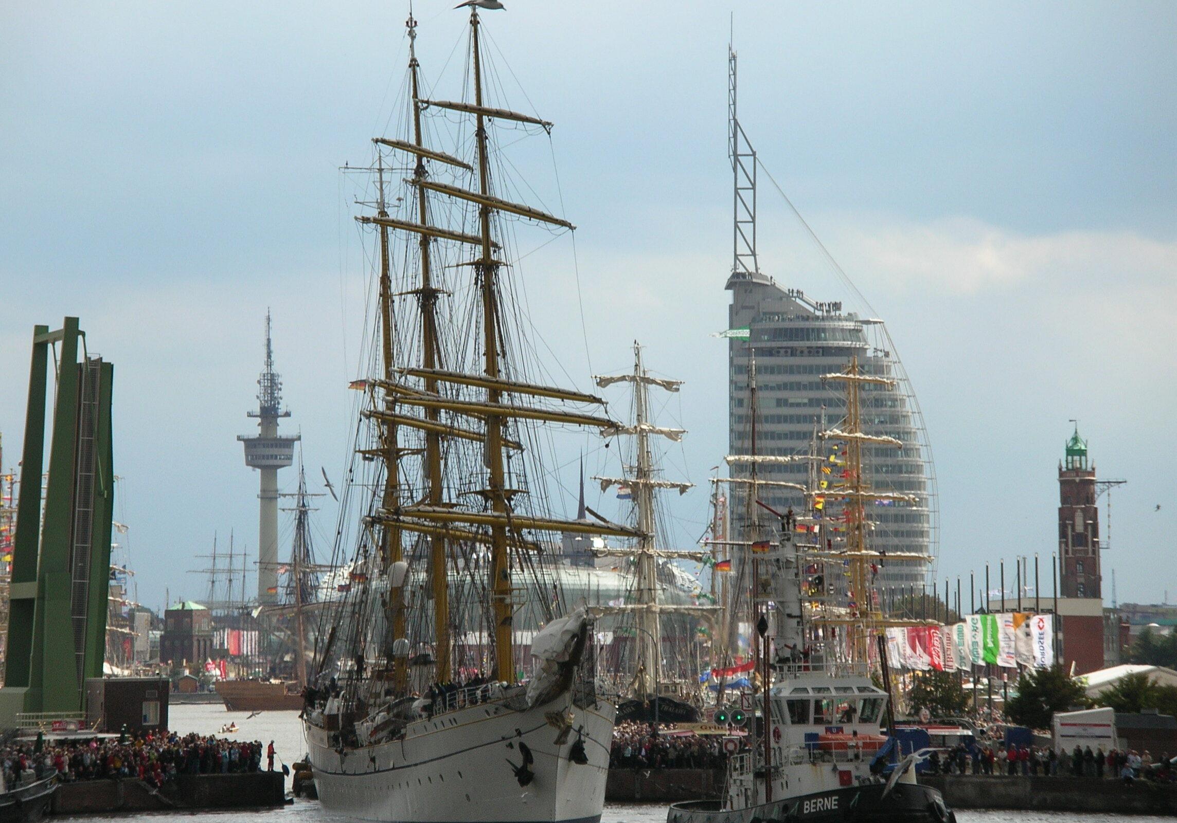 Bremerhaven. 2 (2)